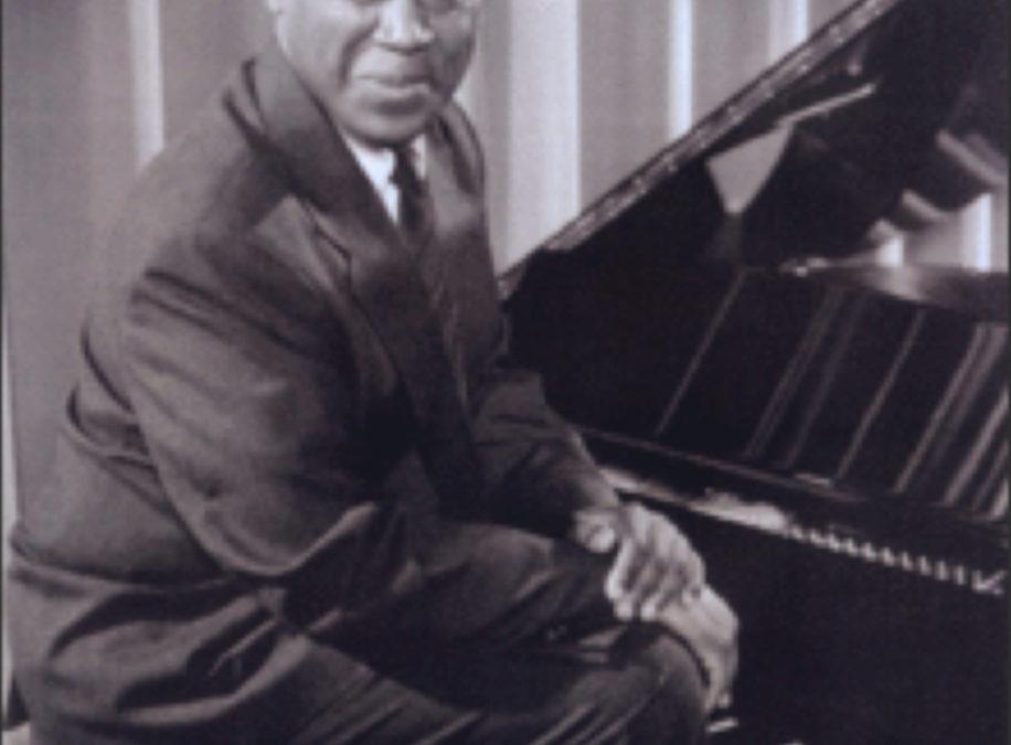 Aszemar Glenn at the piano